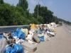안성시 일죽면 당촌리 국도38호선 인근주변에쓰레기덤이가 왠말